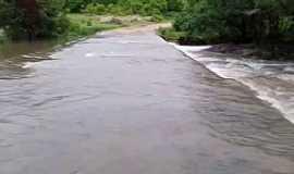 Riacho Grande - Riacho Grande-CE-Passagem molhada-Foto: Santo Izídio Digital