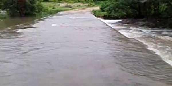Riacho Grande-CE-Passagem molhada-Foto: Santo Izídio Digital