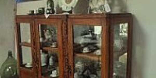 Santa Fé-CE-Peças antigas e refinadas,no Museu Benedito José Teles-Foto:eefmpresidentevargas.blogspot.com