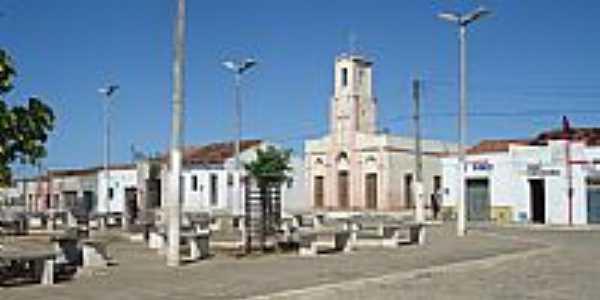 Praça em Frente a Igreja, por Mariana.Matos.