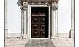 Santarém - Pórtico da Igreja de N.Sra.da Piedade em Santarém-CE-Foto:flickeflu.