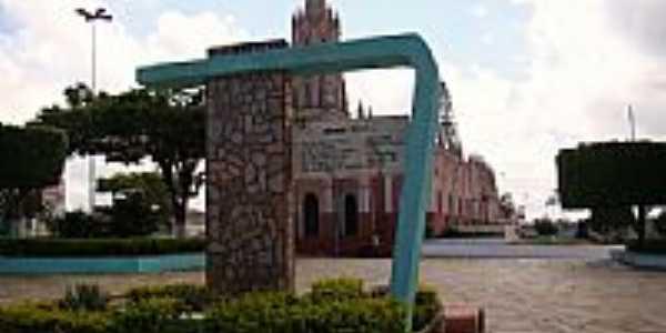 Praça da Igreja Matriz de São Benedito foto Helder Fontenele