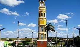 Solonópole - Obelisco na praça Simião Machado. Solonópole, Ceará - Foto Cidade-Brasil