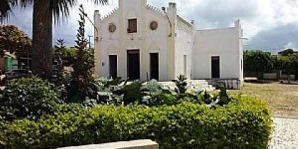 Suassunha-CE-Praça e Matriz de N.Sra.da Saúde-Foto:Facebook