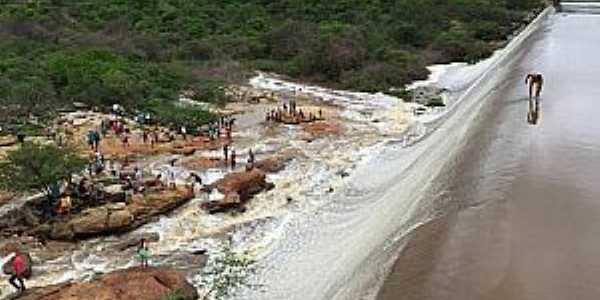 Trici-CE-Sangradouro da Barragem-Foto:Ulisses Lima/Lailton Cavalcante/Wilrismar Holanda