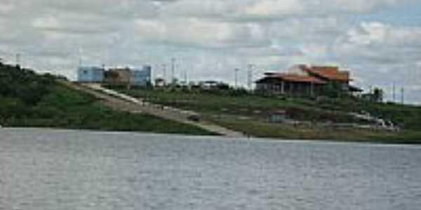 Complexo do Trussu visto da Ilha da Amizade-Foto:castaldeli