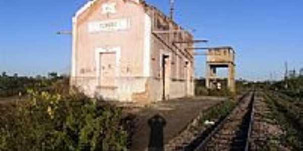 Antiga Estação Ferroviária de Tururu-Foto:Paulo Regis 2011