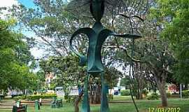 Brasília - Brasília-DF-Escultura O Jardineiro no Parque da cidade-Foto:Josue Marinho