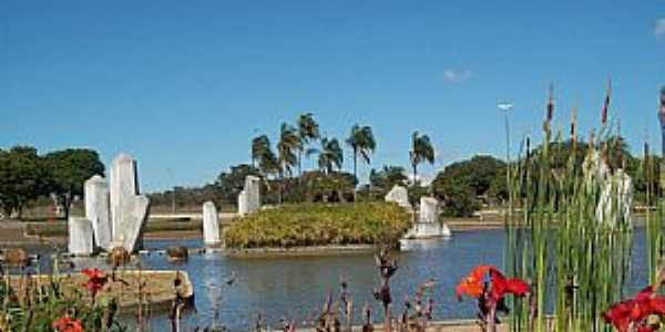 Brasília-DF-Praça dos Cristais-Foto:Josue Marinho