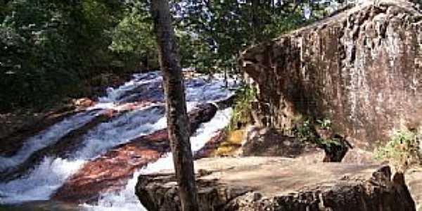 Recanto das Emas-DF-Cachoeira no Parque Ecol�gico e Vivencial