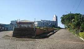 Airituba - Airituba-ES-Praça central e Igreja-Foto:Pedro Glória Brasil Viana