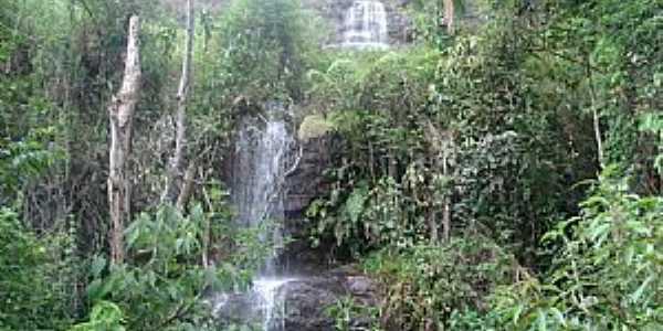 Alto Calçado-ES-Cachoeira na Comunidade Bela Aurora-Alto Calçado-Foto:Pedro Glória Brasil Viana