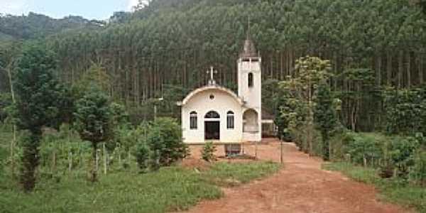 Alto Calçado-ES-Igreja na Comunidade Bela Aurora-Alto Calçado-Foto:Pedro Glória Brasil Viana