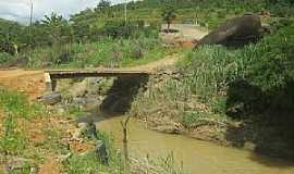 Alto Caldeirão - Alto Caldeirão-ES-Ponte em estrada rural-Foto:mapio.net