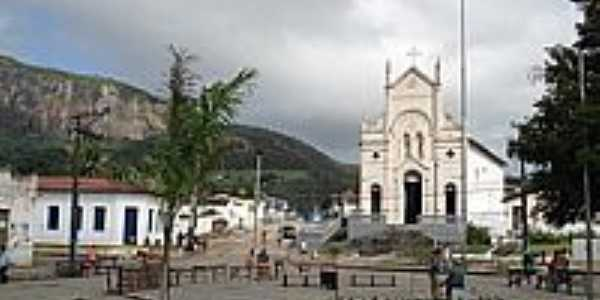 Praça e Igreja-Foto:Prof_Anderson_Mola_L…