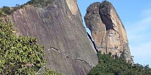 Atílio Vivácqua-ES-Pedra da Andorinha-Foto:August 5