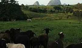 Boa Esperan�a - Olhando para a Pedra da Botelha em Boa Esperan�a-Foto:Bergamin