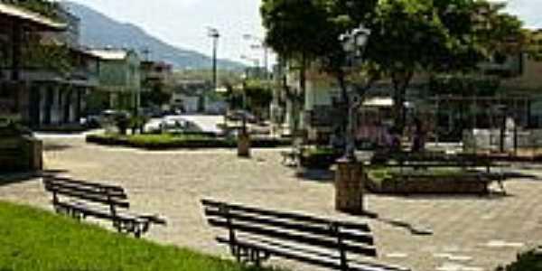 Praça Astolfo Lobo-Foto:Leandro Raposo