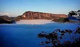 Brejetuba - Brejetuba-ES-Vista da Pedra do Submarino-Foto:Heverton Zambão