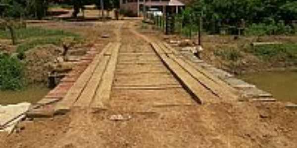 Cachoeirinha de Itaúna-ES-Ponte na entrada da cidade-Foto:sentinelacapixaba.com.br