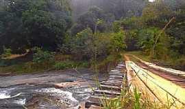 Castelo - Castelo-ES-Cachoeira da Barata-Foto:caminhagente.