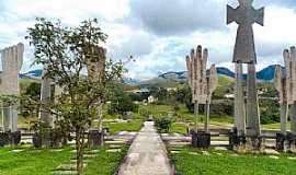 Castelo - Castelo-ES-Santuário Imaculada Esposa do Espírito Santo-Foto:caminhagente.