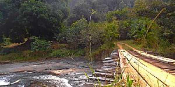 Castelo-ES-Cachoeira da Barata-Foto:caminhagente.