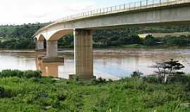 Colatina - Colatina-ES-Ponte sobre o Rio Doce-Foto:André Bonacin