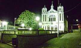 Conceição do Muqui - Igreja vista noturna-Foto:castromuniz