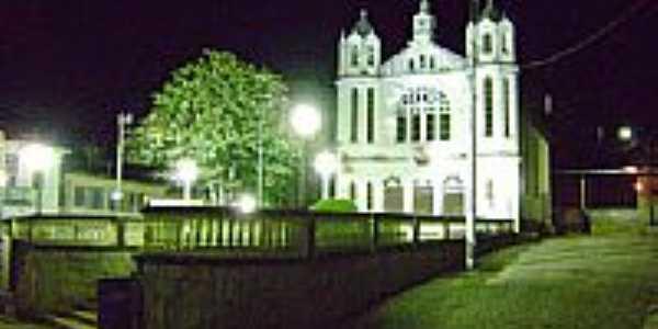 Igreja vista noturna-Foto:castromuniz