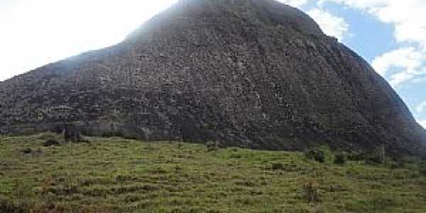 Cotaxe-ES-Pedra da Viúva-Foto:Genezio Lemos de Castro