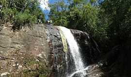 Divino de São Lourenço - Cachoeira do Arco-Iris