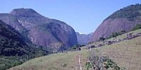 Montanhas em Estrela do Norte-Foto:LucianeSC