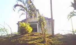 Fundão - Capela no morro em Fundão-Foto:Cuzzuol André