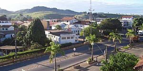 Fundão-ES-Rua no centro da cidade-Foto:turismo.culturamix.com