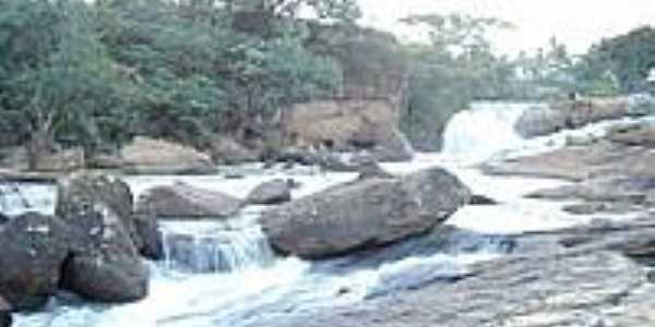 Cachoeira do Rio Preto em Governador Lacerda de Aguiar-Foto:Ednaldo Soares