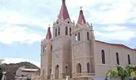 Guaçuí - Matriz de São Miguel Arcanjo em Guaçuí-Foto:Vicente A. Queiroz