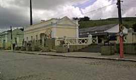 Viçosa - Estação Ferroviária,destacando Exposição de  Obras de Arte, em Viçosa-Foto:valerio.alagoas