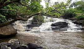 Vi�osa - Vi�osa-AL-Cachoeira Serra Dois Irm�os-Foto:Toni Cavalcante