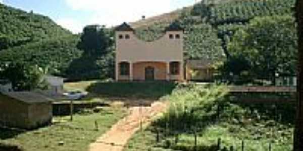 Capela e Posto de Saúde de Rio Lampê em Ibiraçu-ES-Foto:Belquior