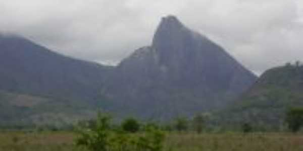 a pedra mais famosa da Ibituba,  Por Maria