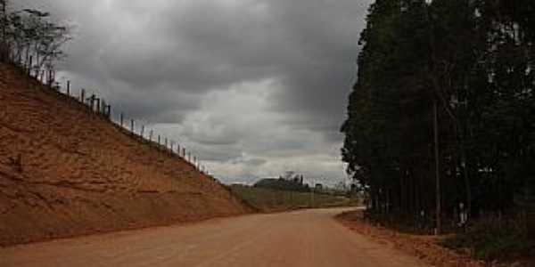 Imburana-ES-Estrada de Imburana Pedro-Foto:Alfa Sonorização