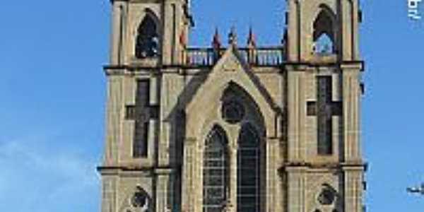 Igreja Matriz de N.Sra.Medianeira de Todas as Graças em Itaguaçu-ES-Foto:Sergio Falcetti