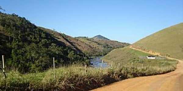 Estrada Muniz Freire - Itaici - por Ercilioareias