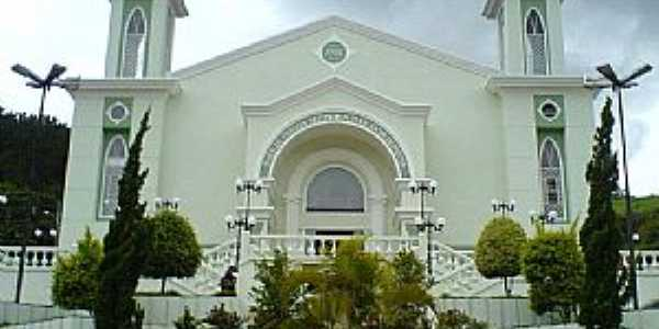 Igreja Matriz de Nossa Senhora Mãe dos Homens - Iúna ES  Foto: Marcelo Nascimento