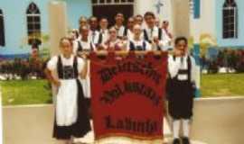 Lajinha - Grupo de Danças Folclóricas Alemãs EDELSTEIN, Por Rev. Roberto Couto