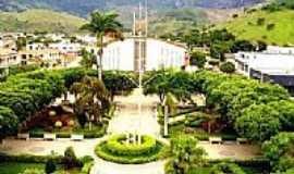 Mantenópolis - Praça e Igreja Matriz de N.Sra.das Dores-Foto:Marcos Stinghel