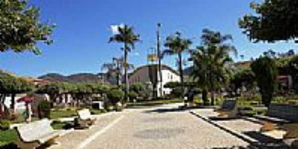 Praça da Matriz em Mantenópolis-ES-Foto:Elpídio Justino de A…