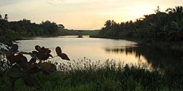 Lagoa Encantada ou Lagoa Funda, Marataízes, ES - Por LucianeSC
