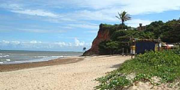 Falésias na Praia das Pitas, Marataízes - por LucianeSC